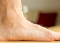 How To Choose The Best Shoes For Your Flat Feet? (Buying Guideline)