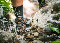 How To Buy The Best Waterproof Shoes for Hiking?