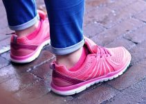How To Buy The Best Women Walking Shoes For Wide Feet? (Buyer Guideline)