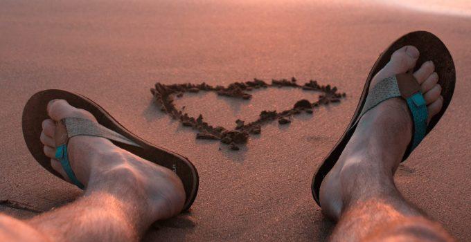 10 Best Beach Flip Flop For Men 2021