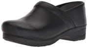 Black color clogs design shoes with high heel and non slip sole for kitchen staff